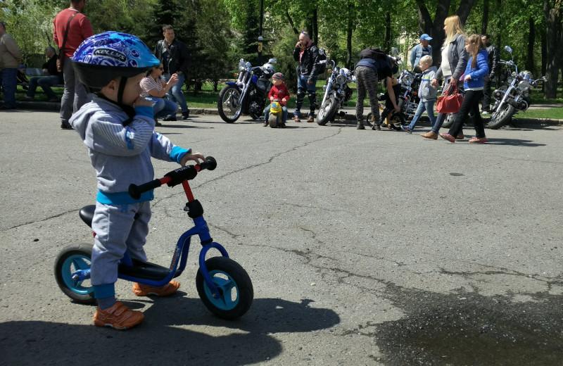 Біговел Puky LR M підійде для дворічної дитини, аби навчитися тримати рівновагу
